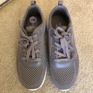 Sketchers Wide Fit Memory Foam Sneakers